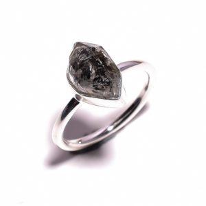 Кольцо с тёмным херкимерским алмазом