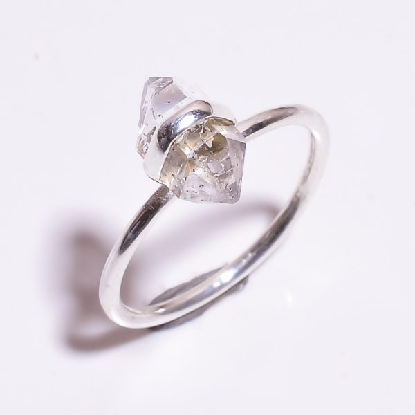 Кольцо с херкимерским алмазом